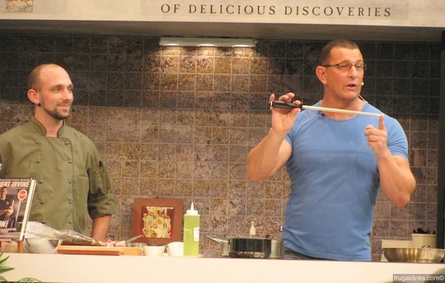 culinary-demonstration-robert-irvine-oct-22-2010-7