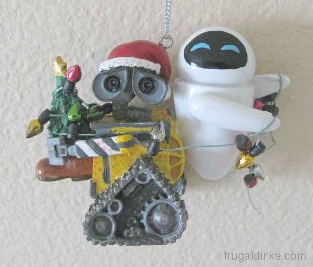 wall-e-and-eva-ornament-2011