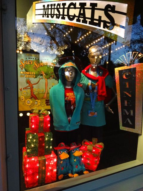 Disney's Hollywood Studios, Shop Window Displays Christmas 2012 - 09