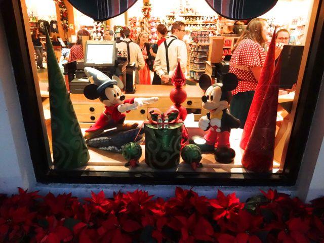 Disney's Hollywood Studios, Shop Window Displays Christmas 2012 - 10