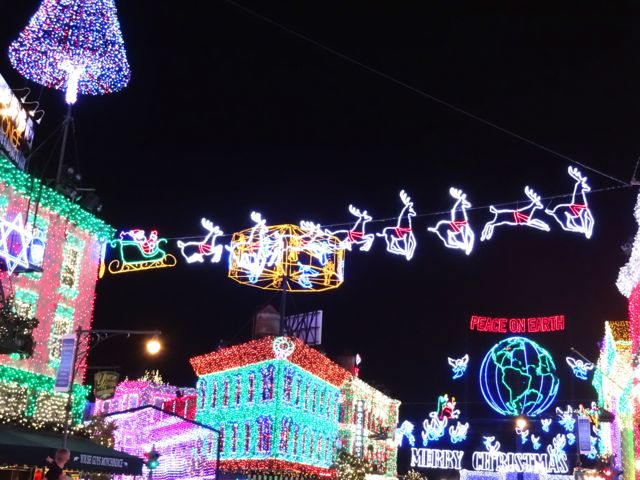 The Osborne Family Spectacle of Dancing Lights 2012 - 05