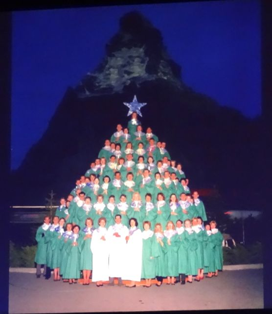 1959 also saw the Singing Christmas Tree