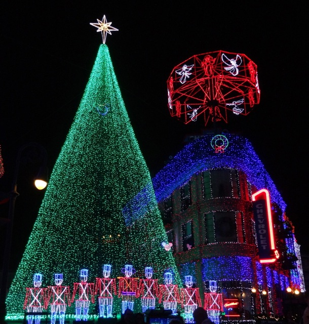 The Osborne Family Spectacle of Dancing Lights November 12 2013 - 08