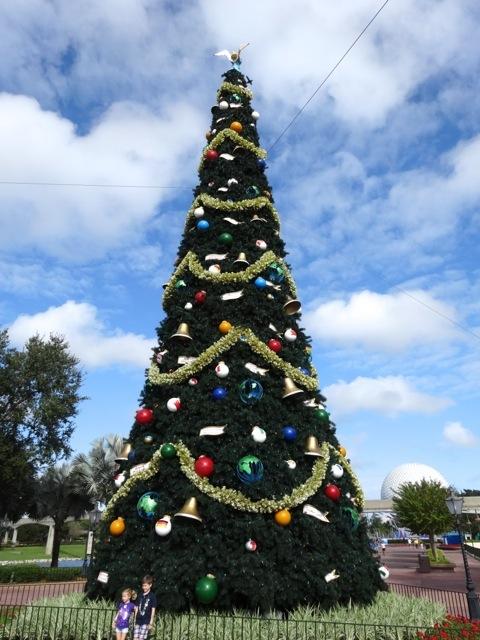 2013 Christmas Tree Epcot - 1