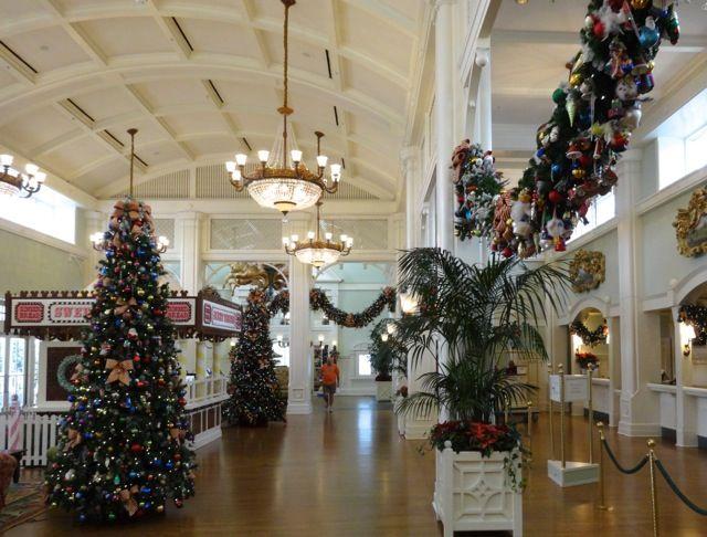 Boardwalk Resort Holiday Decorations 2013 - 07