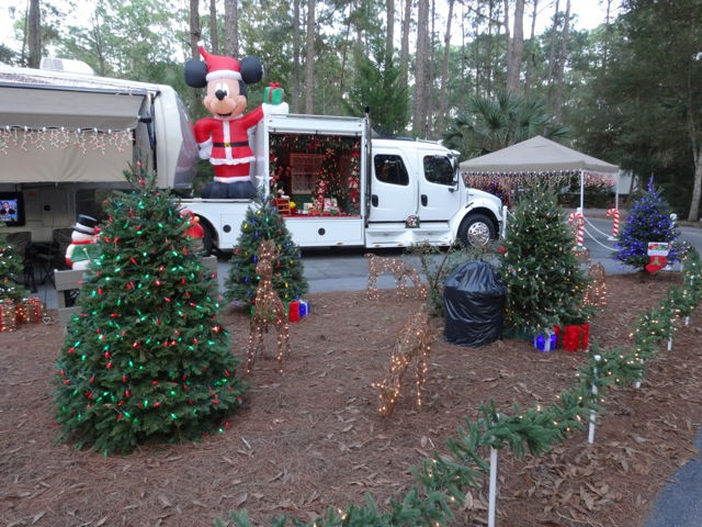 Fort Wilderness Christmas 2013 - 16