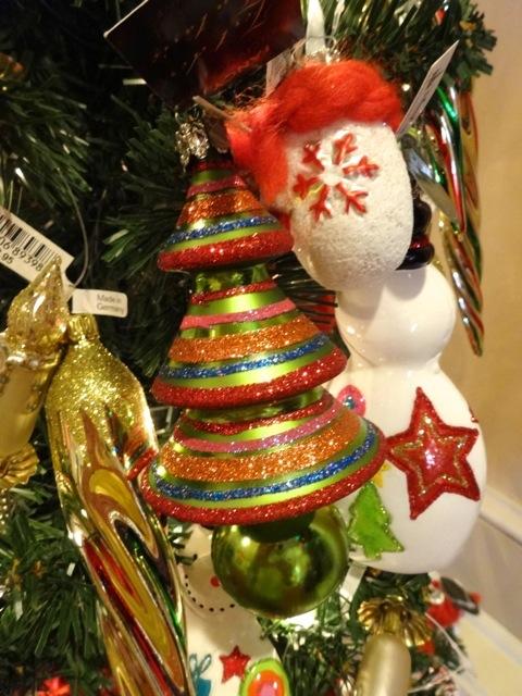 stylized glass Christmas tree to hang on your Christmas tree