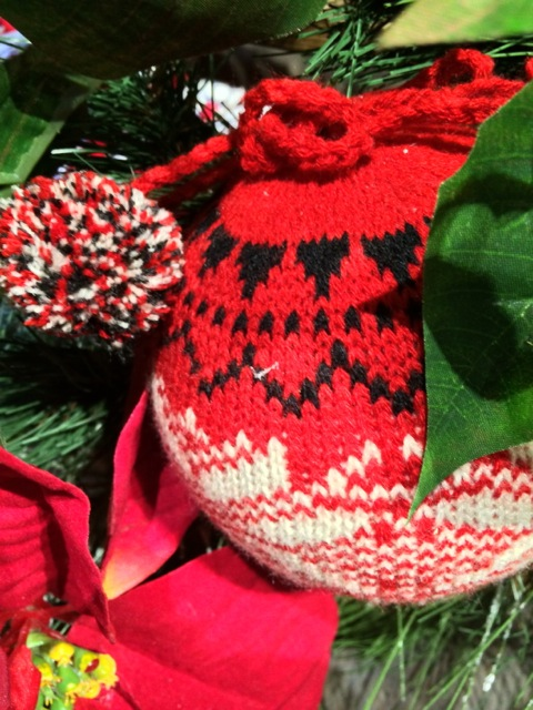another knitted ornament - red, white, black - very traditional colors for Norwegian knitting