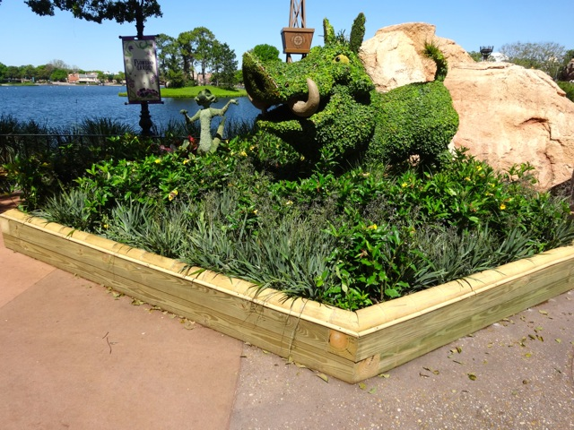 """Timon and Pumba in a """"sandbox"""" (near the Outpost)"""