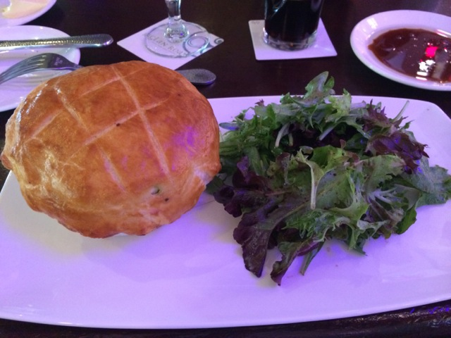 Lunch Raglan Road Chicken Pie 27MAR2014 - 05